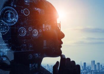 Visage de femme dans l'ombre reflechissant a son avenir - futur - creativite - intelligence artificielle